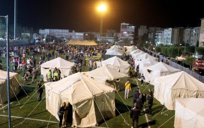Terremoto Albania, le tendopoli per gli sfollati. FOTO
