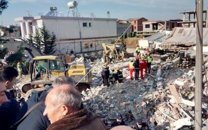 Terremoto Albania, soccorritori italiani tra le macerie FOTO