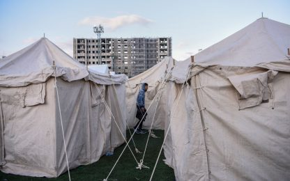 Sisma in Albania: 31 morti. I superstiti in tendopoli. FOTO