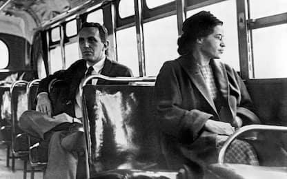 La storia di Rosa Parks e la ribellione alla segregazione razziale