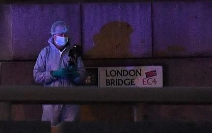Attacco Londra: morte 2 persone. Polizia uccide aggressore