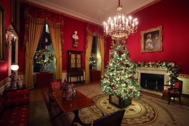 Stati Uniti, la Casa Bianca decorata per le feste di Natale