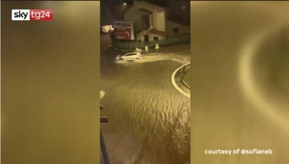 Maltempo in Francia, 5 morti per le alluvioni. Cannes allagata: VIDEO