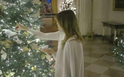 Melania Trump presenta gli addobbi di Natale alla Casa Bianca. VIDEO