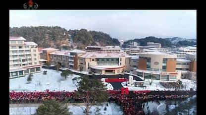 Nord Corea, Kim Jong-Un inaugura resort di lusso in montagna. VIDEO