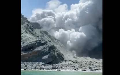Nuova Zelanda, erutta vulcano: 5 morti, 8 dispersi. VIDEO