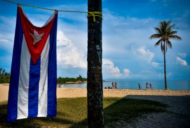 Cuba, riapre l'aeroporto a L'Avana con protocolli anti-Covid