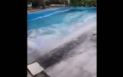 Terremoto Filippine, ecco cosa succede alla piscina dell'hotel. VIDEO