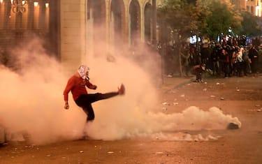 0GettyImages-libano_feriti_scontri_beirut