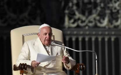 "Papa Francesco: ""Nessuna nuova apertura ai preti sposati"""