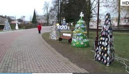 Gli alberi di Natale più bizzarri della Bielorussia. VIDEO