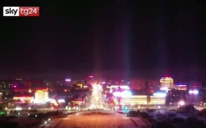 Cina, l'incredibile fenomeno dei pilastri di luce. VIDEO