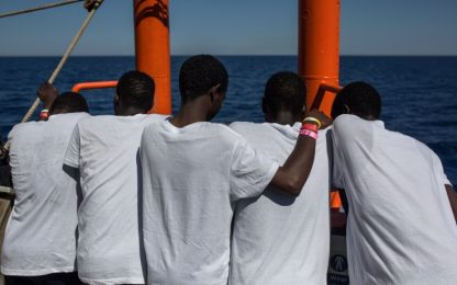 """Migranti, Unicef: """"Oltre 6.300 i minori soli in Italia"""""""