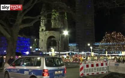 Berlino, sgomberato il mercatino di Natale, ma era un falso allarme