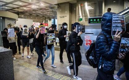 Hong Kong, scontri anche durante la vigilia di Natale. FOTO