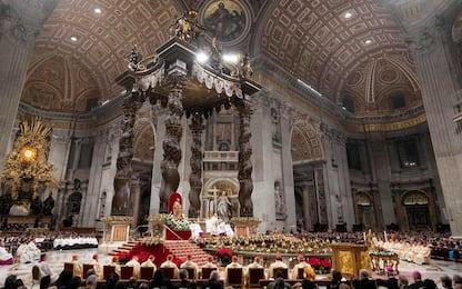 Roma, San Pietro affollata per la messa di Natale. FOTO