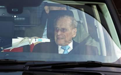 Londra, il principe Filippo lascia l'ospedale dopo 4 notti