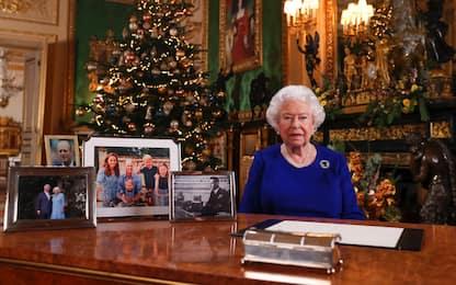 Uk, auguri di Natale di Elisabetta II dopo anno accidentato