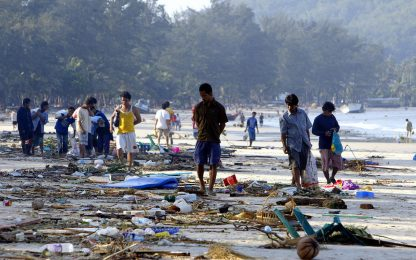 15 anni fa lo tsunami nel Sud-est asiatico. FOTO