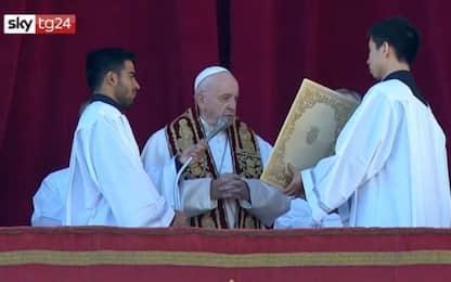 La benedizione Urbi et orbi di Papa Francesco. VIDEO