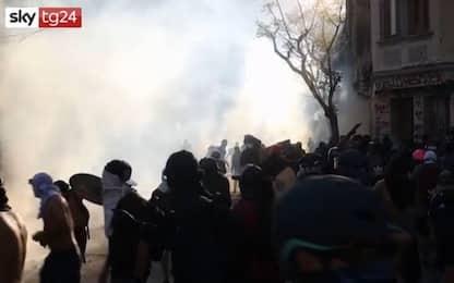 Cile, proteste contro il governo. Scontri a Santiago. VIDEO