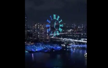 Capodanno a Singapore, il 2020 si festeggia con 500 droni. VIDEO