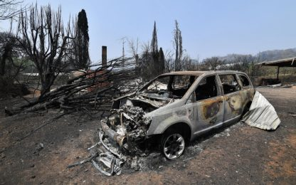 Incendi Australia: muore un altro pompiere, le vittime totali sono 26