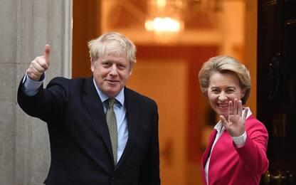 Londra, la Camera dei Comuni ratifica la Brexit