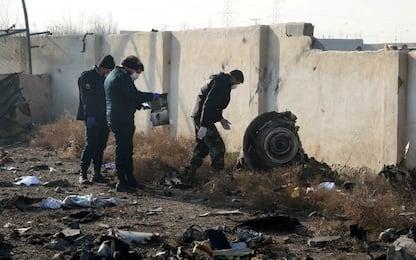 Aereo caduto in Iran, Canada e Usa: abbattuto da missile. Teheran nega