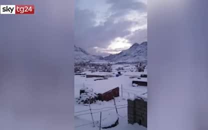 Neve in Egitto, panorama da incanto nel deserto del Sinai. VIDEO