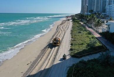 Miami, 61 mila tonnellate di sabbia contro le mareggiate