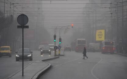 Serbia, la città di Belgrado avvolta dallo smog. LE FOTO