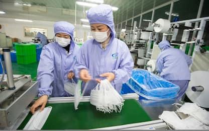 Coronavirus, prezzi alle stelle sul web per mascherine e disinfettanti