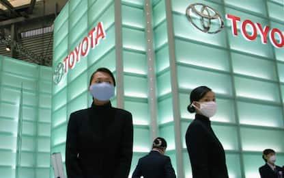 Coronavirus, Toyota interrompe la produzione in Cina