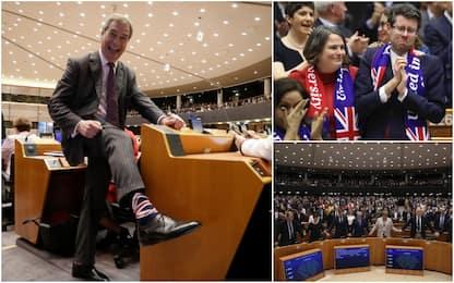 Brexit, Parlamento Ue approva il divorzio: eurodeputati in lacrime