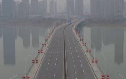 Coronavirus Cina, le immagini dal drone di Wuhan deserta. VIDEO