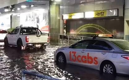 Sydney, aeroporto allagato per le forti piogge VIDEO