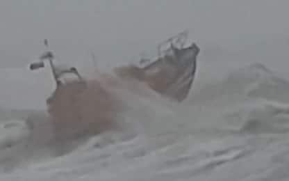 Inghilterra, barca di salvataggio affronta la tempesta Ciara. VIDEO