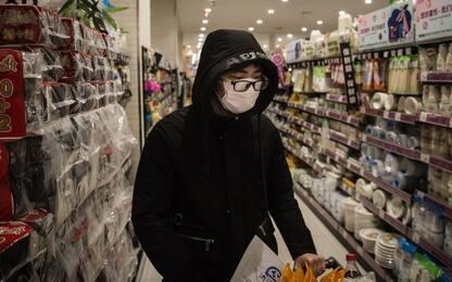 """Coronavirus, la Cina disinfetta e mette """"in quarantena"""" le banconote"""