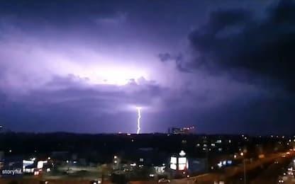 Maltempo a Sydney, tempesta di fulmini sulla città australiana. VIDEO