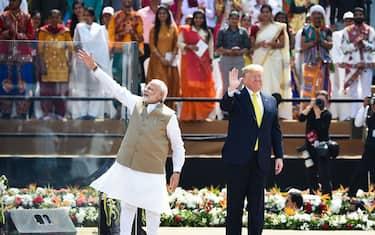 0GettyImages-Trump_visita_India
