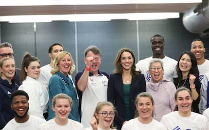 Kate Middleton incontra i futuri talenti dello sport. FOTO
