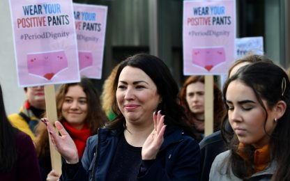 Scozia, assorbenti gratis alle donne: è il primo caso al mondo