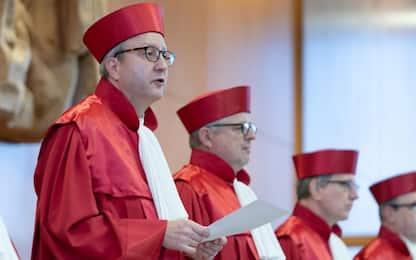 Germania, la Corte Costituzionale depenalizza il suicidio assistito