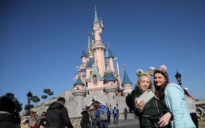 Coronavirus, chiudono una serie di parchi Disney