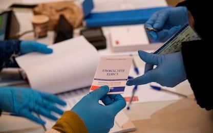 Coronavirus, le regole sul corretto utilizzo dei guanti