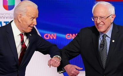 Coronavirus Usa, Sanders e Biden si salutano dandosi il gomito