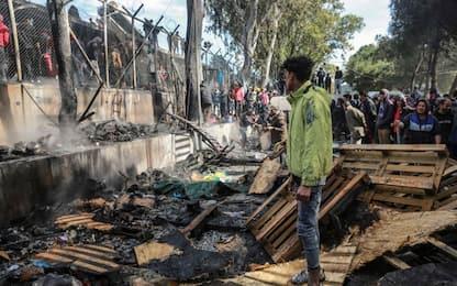 Migranti, Grecia: incendio a Moria, muore bimba. Msf: evacuare campo