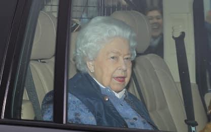 Coronavirus, la regina Elisabetta lascia Buckingham Palace