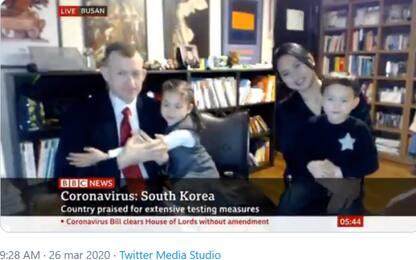 Sulla Bbc torna l'esperto con la famiglia per parlare di coronavirus